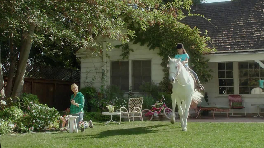 Straight Talk Wireless TV Spot, 'Riding Lessons'  - Screenshot 8