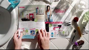 Walgreens Happy and Healthy Magazine TV Spot, 'Taylor Swift' - Thumbnail 5