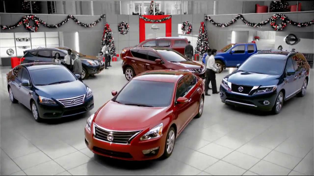 Nissan Season to Save TV Spot, 'Holiday Bonus Cash' - Screenshot 2