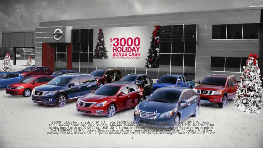 Nissan Season to Save TV Spot, 'Holiday Bonus Cash' - Screenshot 3