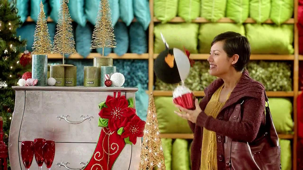 Pier 1 Imports TV Spot, 'Penguin in Smooshed in a Cupcake' - Screenshot 4