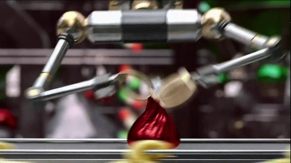 Hershey's Kisses TV Spot, 'Jingle Bells' - Screenshot 3