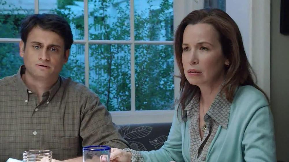 Net10 Wireless TV Spot, 'Dinner Table' - Screenshot 3