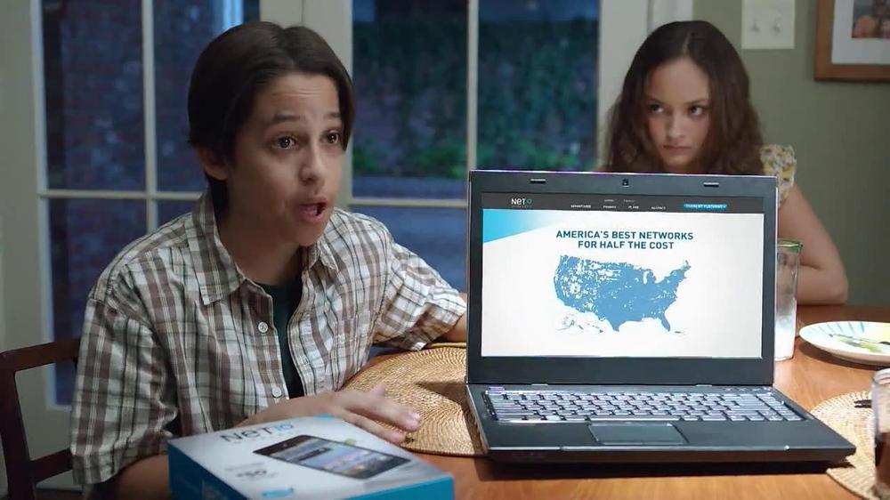 Net10 Wireless TV Spot, 'Dinner Table' - Screenshot 5