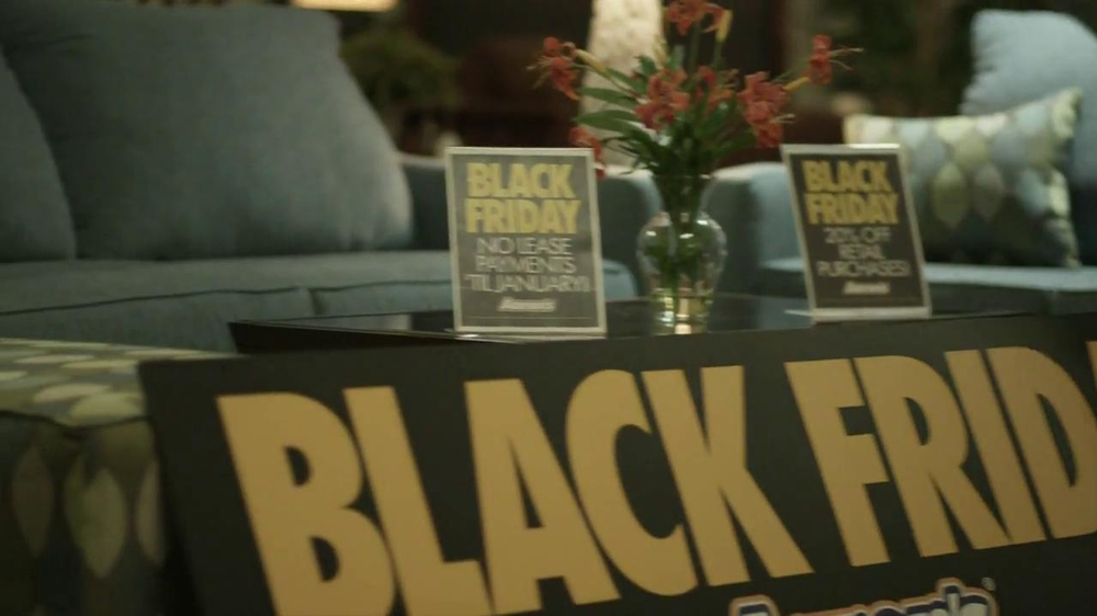 Aaron's Black Friday TV Spot, 'Dusting'  - Screenshot 8