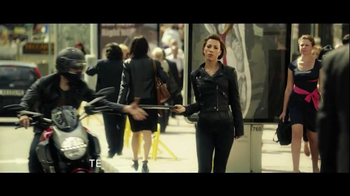 Windows 8 Lenovo IdeaPad TV Spot, 'Yoga' - Thumbnail 6
