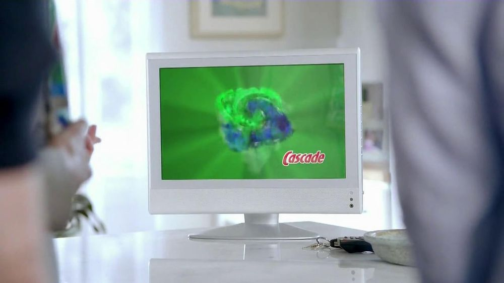Cascade Complete TV Spot, 'Cloudy Glasses' - Screenshot 6