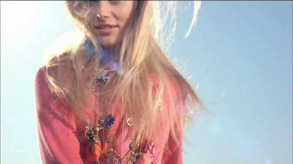 Coach Poppy Fragrance Collection TV Spot  - Screenshot 1