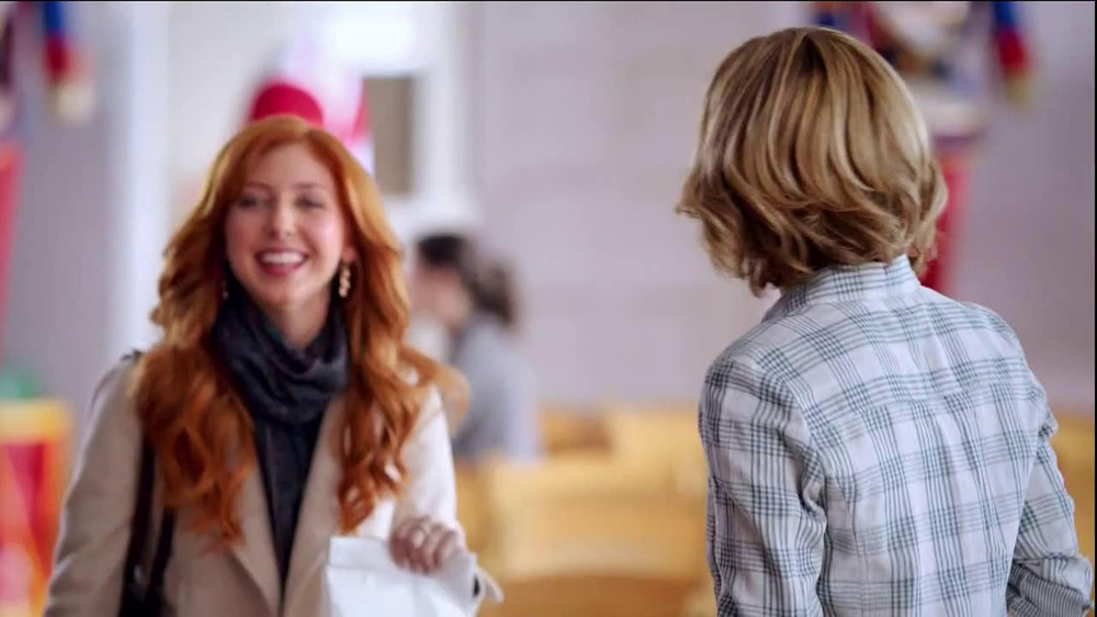 Wendy's Mozzarella Chicken Supreme TV Spot, 'Holiday Play' - Screenshot 5