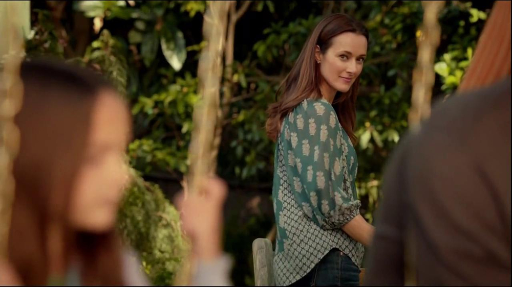 Kay Jewelers TV Spot 'Open Hearts' Featuring Jane Seymour - Screenshot 3