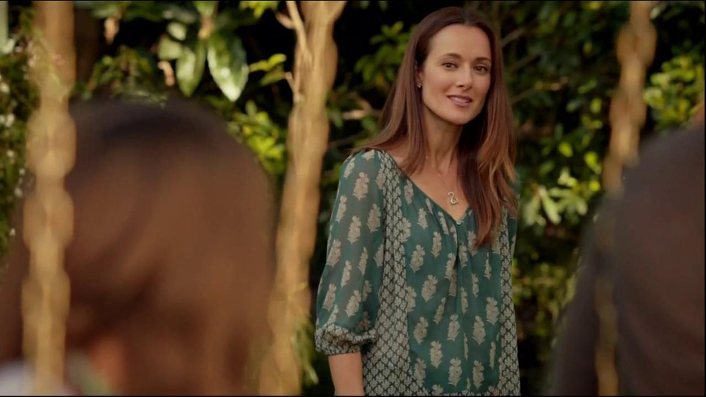 Kay Jewelers TV Spot 'Open Hearts' Featuring Jane Seymour - Screenshot 6
