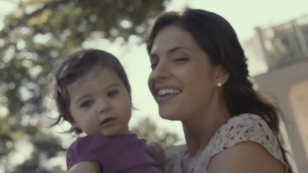 Forevermark TV Spot, 'Center of My Universe' - Screenshot 3