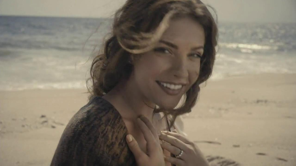 Forevermark TV Spot, 'Center of My Universe' - Screenshot 7