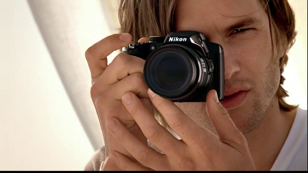 Nikon Coolpix S01 TV Spot Feating Ashton Kutcher - Screenshot 6