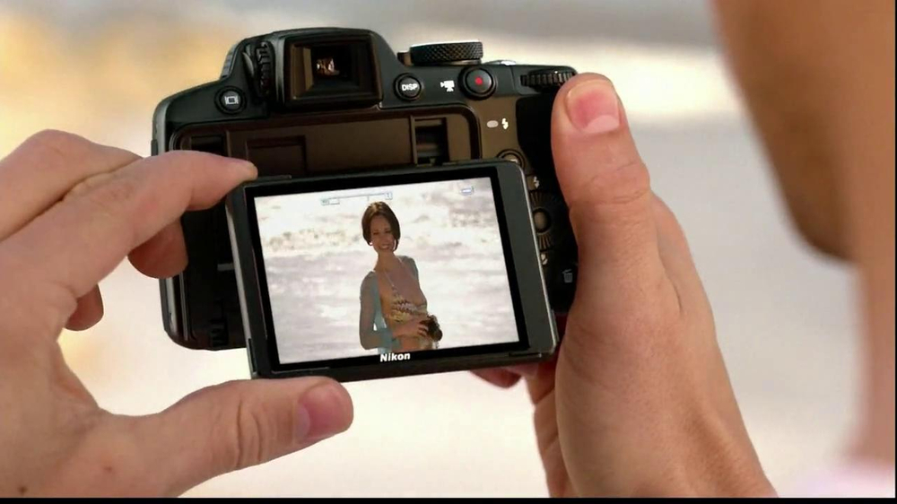 Nikon Coolpix S01 TV Spot Feating Ashton Kutcher - Screenshot 7