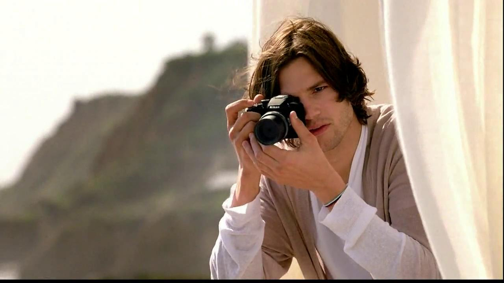 Nikon Coolpix S01 TV Spot Feating Ashton Kutcher - Screenshot 8