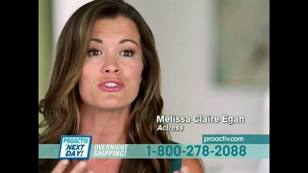 Melissa Claire Egan makeup
