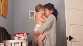 Huggies Snug & Dry TV Spot, 'Hug Your Baby' thumbnail