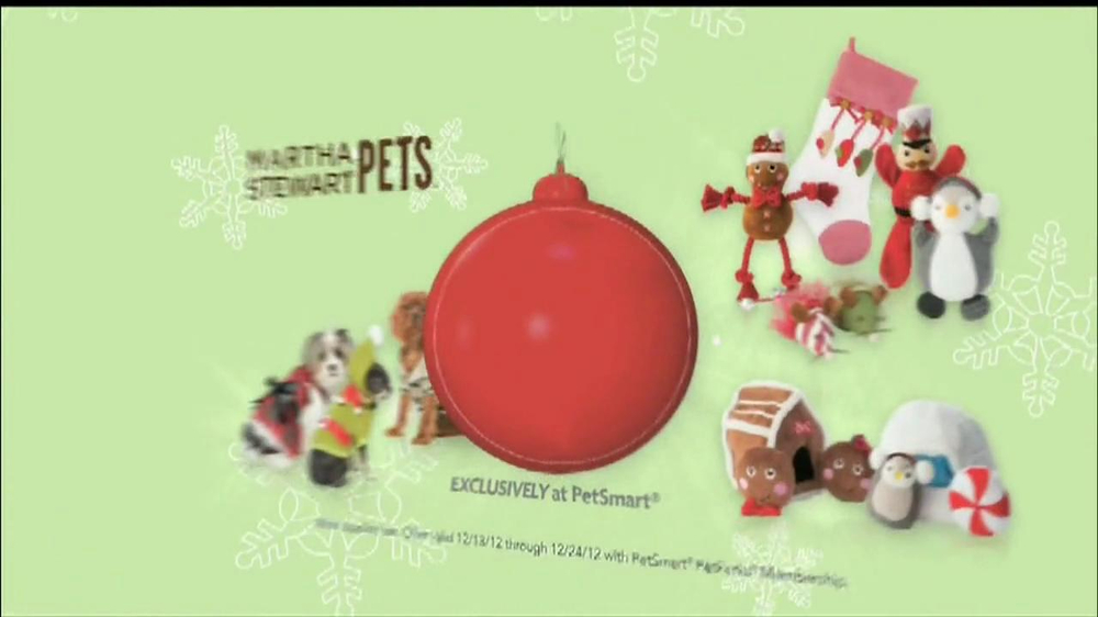 PetSmart Countdown to Christmas Sale TV Spot, 'Martha Stewart Pets' - Screenshot 5
