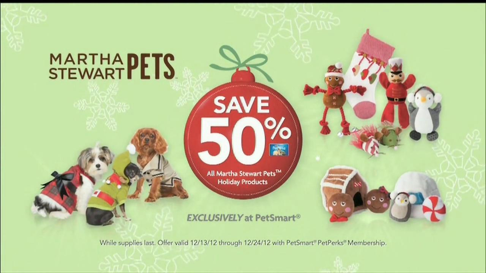 PetSmart Countdown to Christmas Sale TV Spot, 'Martha Stewart Pets' - Screenshot 6