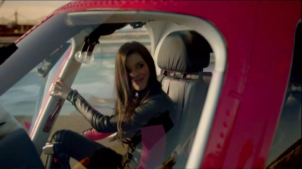 T-Mobile TV Spot, 'Helicopter' Song by Queens of the Stone Age - Screenshot 3