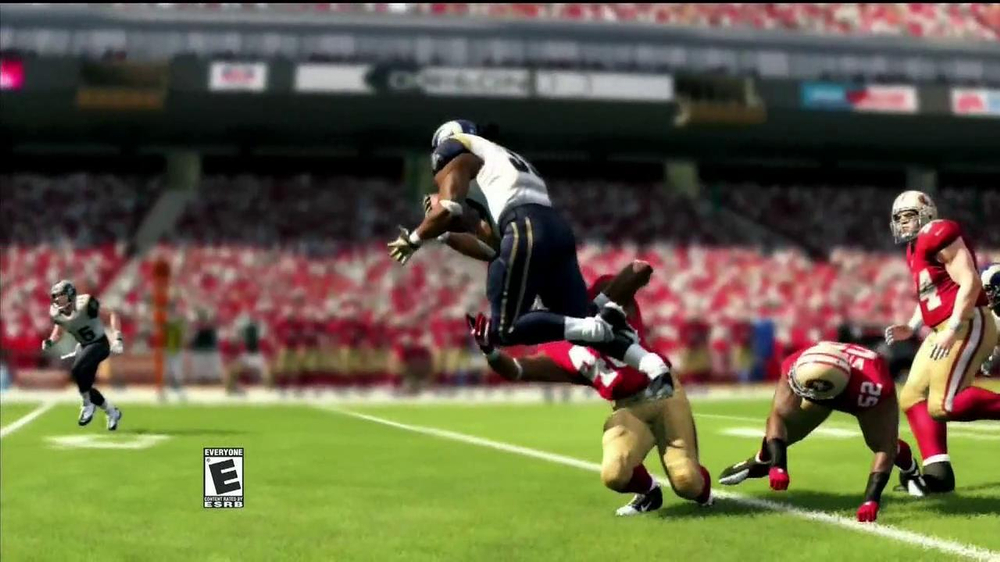 Madden NFL 13 TV Spot, 'Paul vs. Ray: Is It Christmas?' - Screenshot 10
