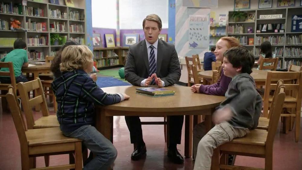 AT&T TV Spot, 'Bigger or Smaller' Featuring Beck Bennett - Screenshot 3