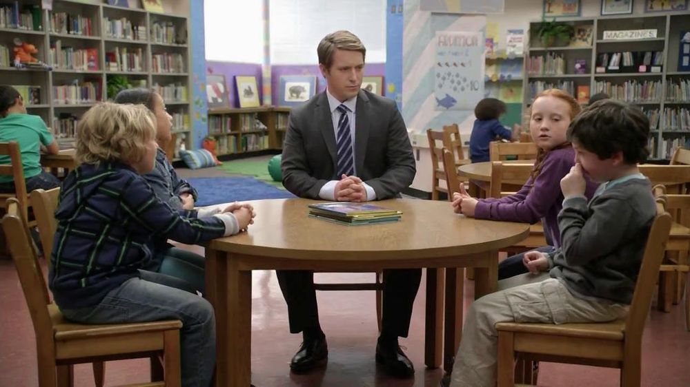 AT&T TV Spot, 'Bigger or Smaller' Featuring Beck Bennett - Screenshot 7