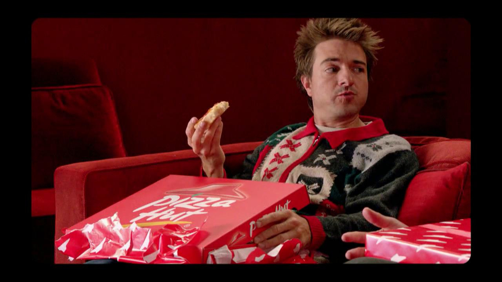 Pizza Hut Big Dinner Box TV Spot, 'One Up' Featuring Aaron Rodgers - Screenshot 10