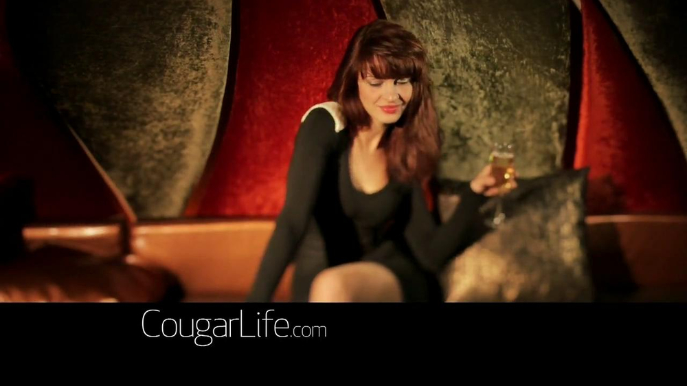 Cougarlife.com TV Spot, 'Cougar Life in the City' - Screenshot 4
