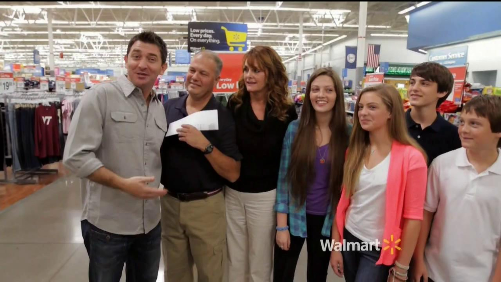 Walmart TV Spot, 'Low Price Gurantee: The Simmons Family'  - Screenshot 1