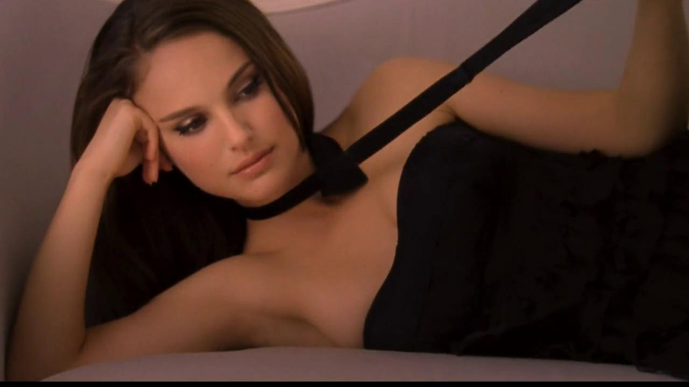 Miss Dior TV Spot Feat. Natalie Portman, Song by Serge Gainsbourg - Screenshot 10