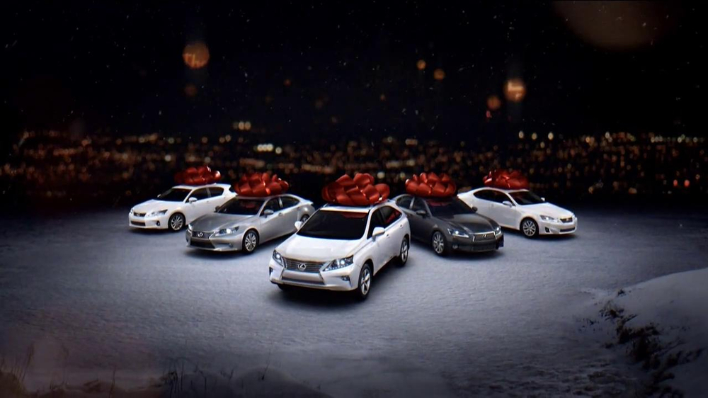 Lexus December To Remember TV Spot, 'Perfect Lexus'  - Screenshot 5