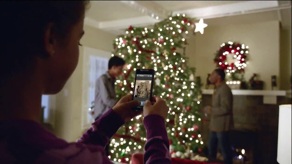 Verizon Share Everything Plan TV Spot, 'Holiday' - Screenshot 7