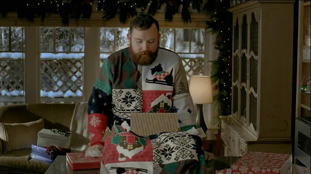 United States Postal Service USPS TV Spot, 'Same Sweater' - Screenshot 2