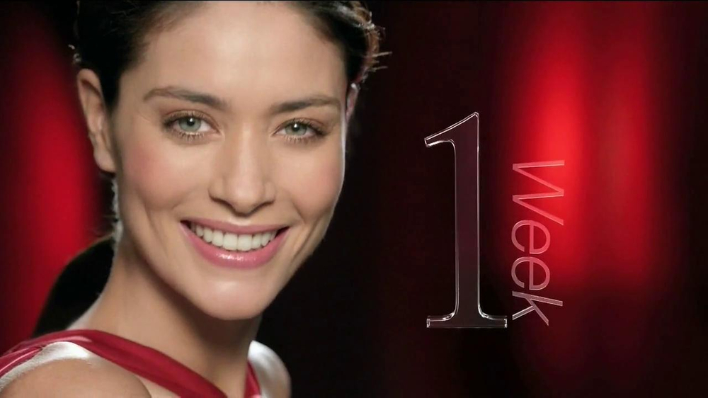 Olay Regenerist Eye & Lash Duo TV Spot  - Screenshot 9