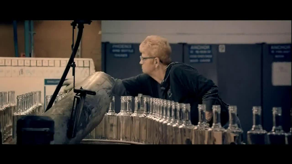 Walmart TV Spot, 'Working Man' Song by Rush - Screenshot 2