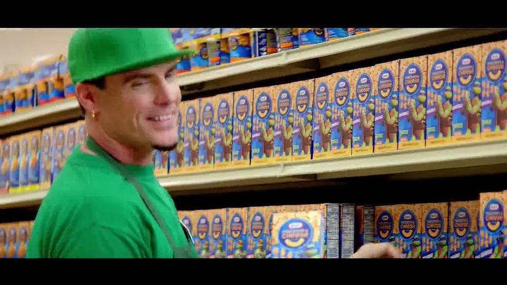 Kraft Macaroni & Cheese TV Spot, 'Go Ninja, Go' Featuring Vanilla Ice - Screenshot 7