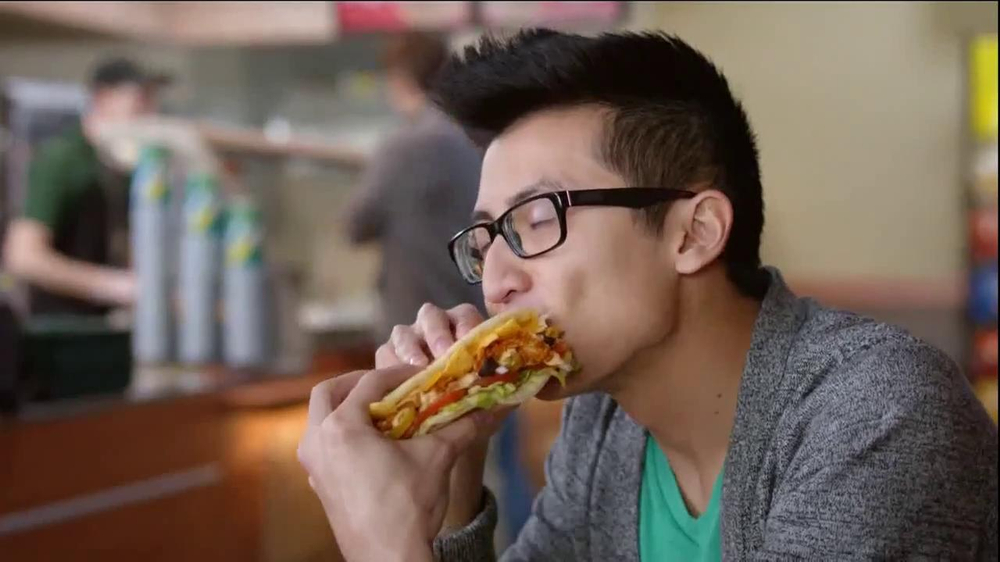 Subway Fritos Chicken Enchilada Melt TV Spot, 'Crunch a Munch a' - Screenshot 7