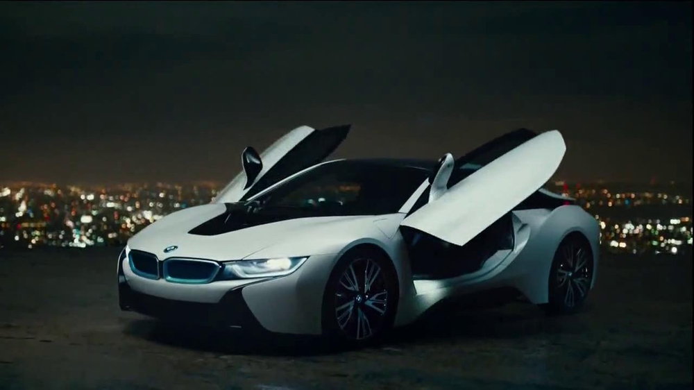 2014 BMW i8 TV Spot, 'Sightings' Song by Max Richter - Screenshot 10
