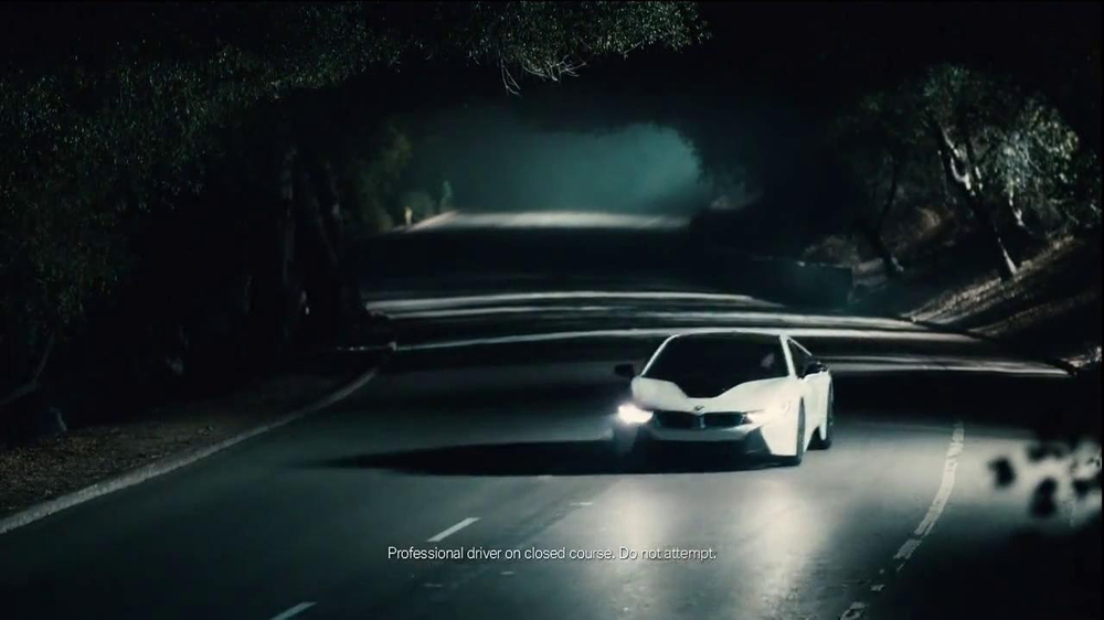 2014 BMW i8 TV Spot, 'Sightings' Song by Max Richter - Screenshot 9