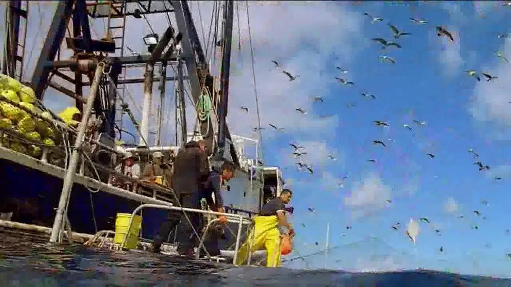 Long John Silver's Lobster Bites TV Spot, 'Ship' - Screenshot 3