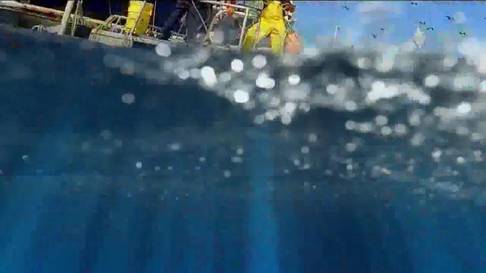 Long John Silver's Lobster Bites TV Spot, 'Ship' - Screenshot 4