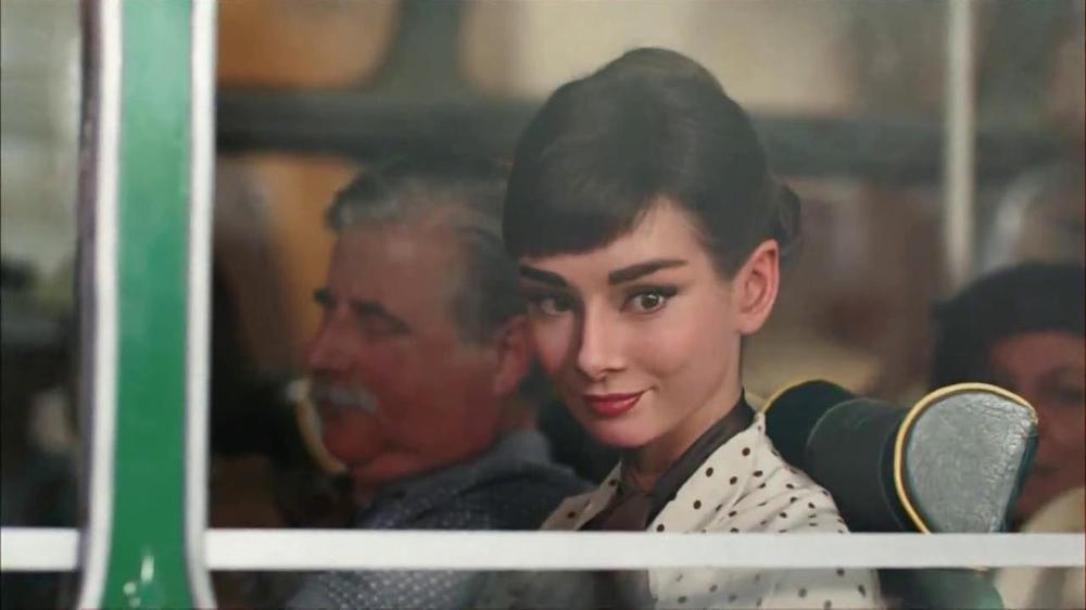 Dove Dark Chocolate TV Spot, 'Audrey Hepburn' - Screenshot 4