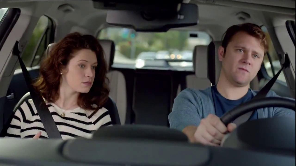 2014 Chevrolet Equinox with Siri Eyes Free TV Spot, 'The New Connected' - Screenshot 8
