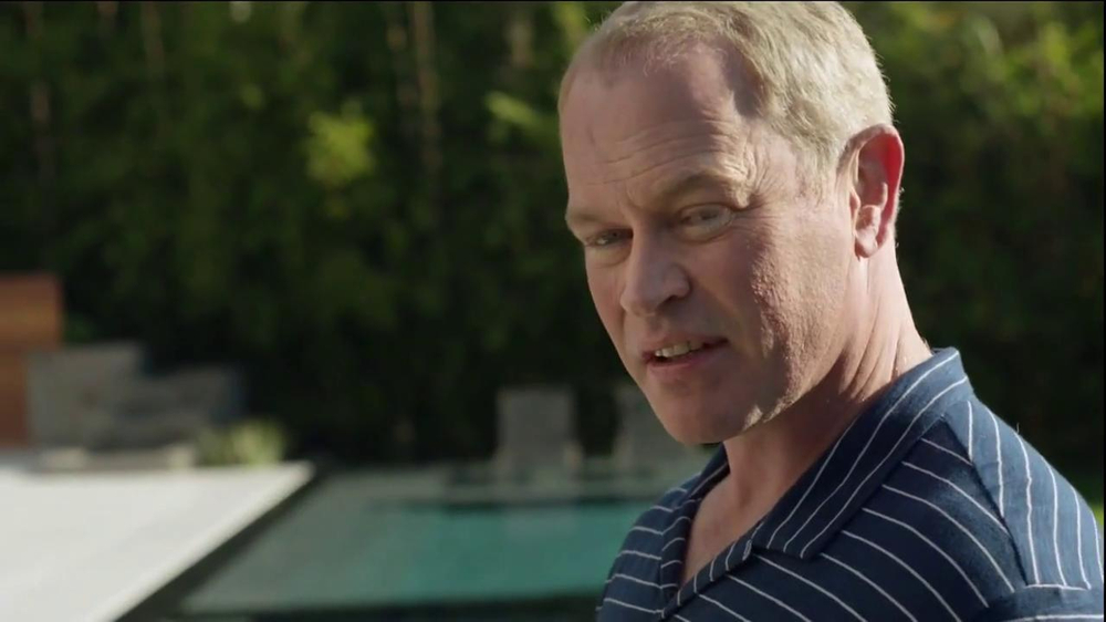 2014 Cadillac ELR TV Spot, 'Poolside' - Screenshot 2