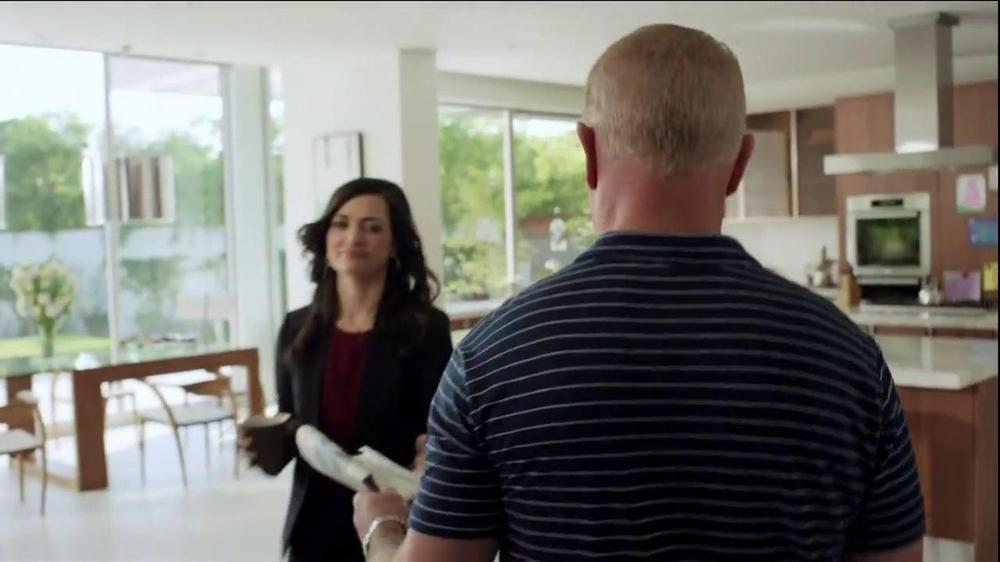 2014 Cadillac ELR TV Spot, 'Poolside' - Screenshot 6