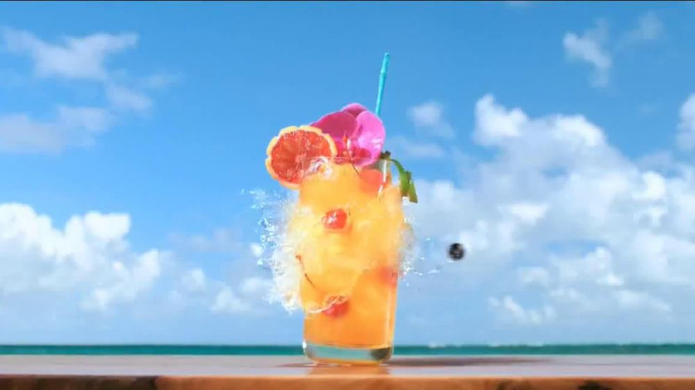 Captain Morgan White Rum TV Spot. 'White Rum Has A New Captain' - Screenshot 2