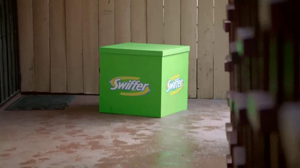 Swiffer TV Spot, 'The Rukavinas' - Screenshot 6