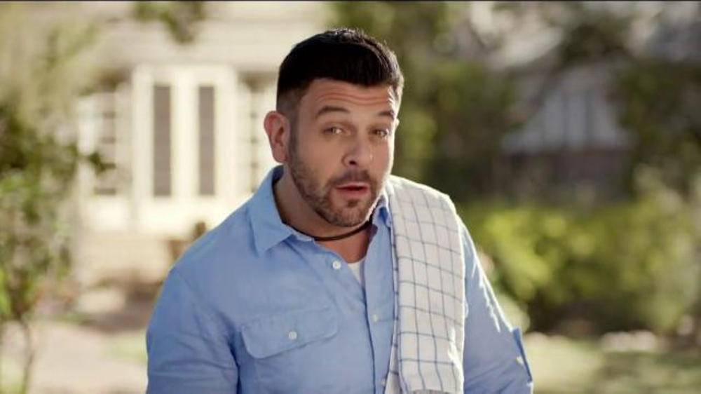 Walmart TV Spot, 'Tip for Grilling the Perfect Burger' Feat. Adam Richman - Screenshot 2